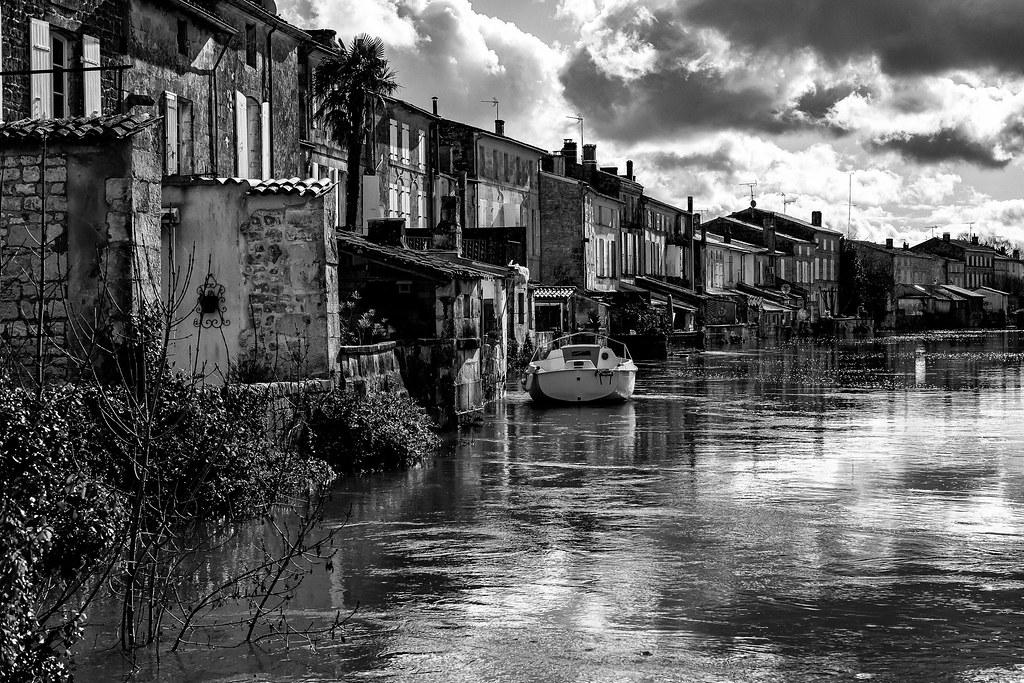 Les maisons les pieds dans l'eau