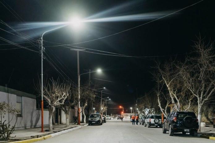 2021-08-11 PRENSA: Inauguraron un moderno sistema de alumbrado público en el barrio Los Pinos