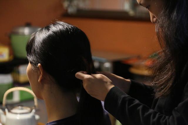 換我幫你綁頭髮:媽媽的髮型造型師