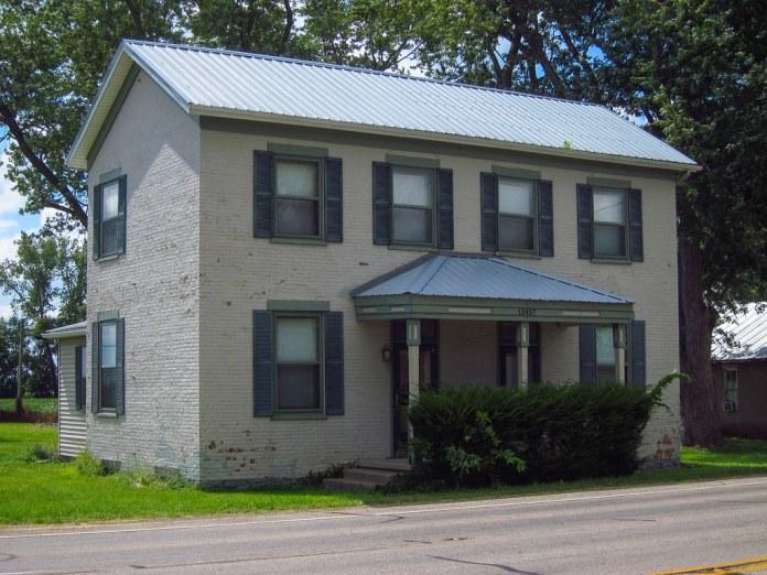 Brick house, US 40