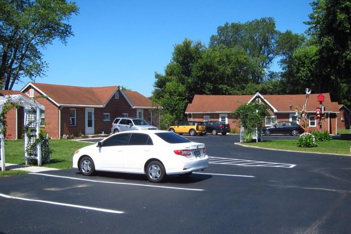Former motor court, US 40