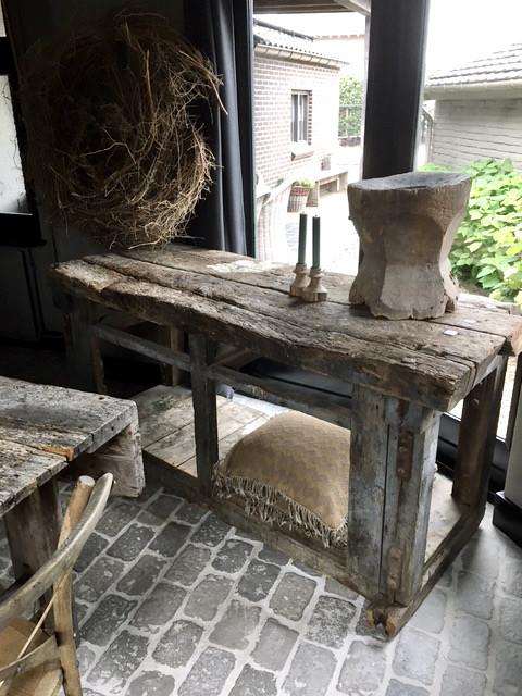 Oude houten werkbank krans vijzel RAW Stones Terpstra's keuken