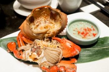 台北新板希爾頓飯店一泊二食吃紅蟳 雙人入住竟然四千有找太超值!