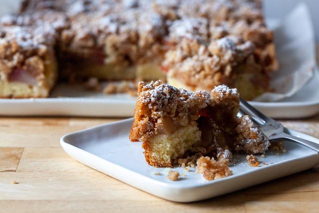 big apple crumb cake
