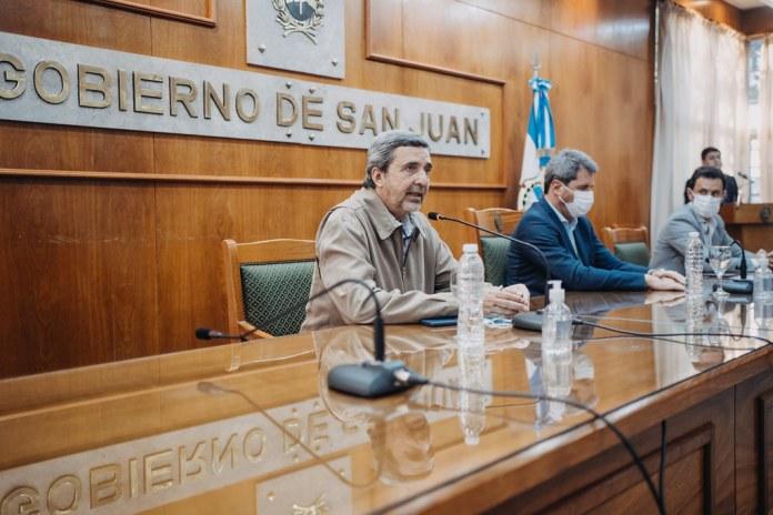 2021-10-13 PRENSA: Uñac firmó convenios con cinco municipios para la construcción de infraestructura deportiva