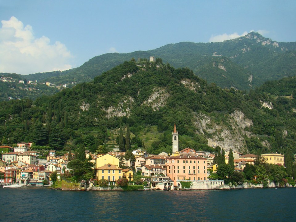 vistas de Varenna desde Lago Como Italia 03