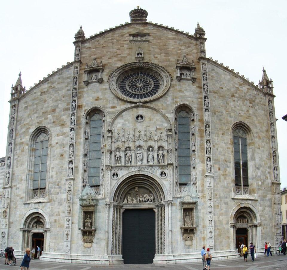 fachada principal exterior Catedral de Como Italia Catedral de Como Italia 01