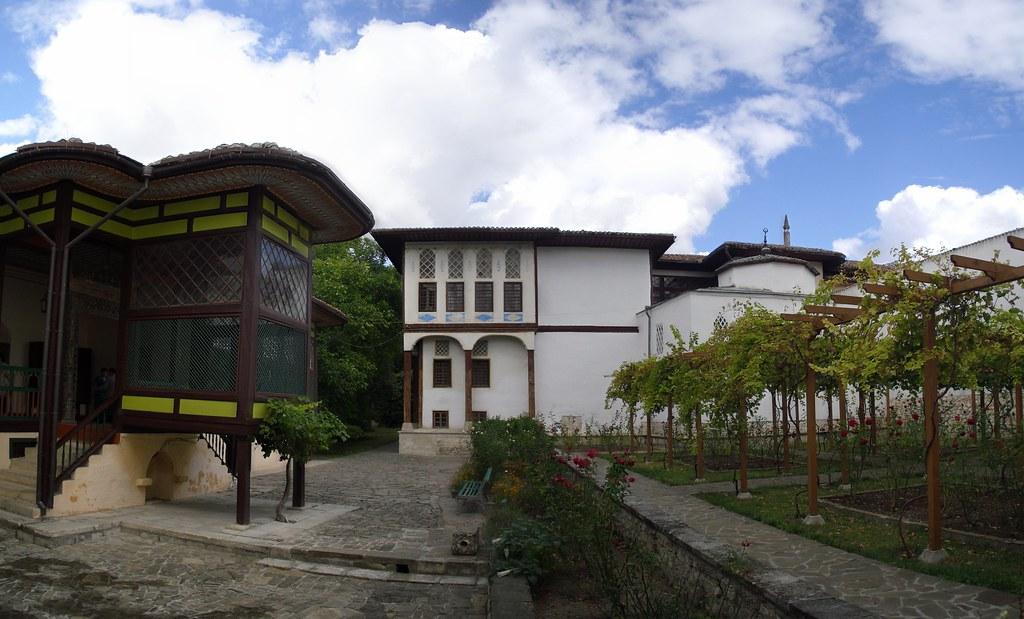 Patio haren exterior Palacio Kan de Bajchisarái de Hansaray o del Khan de Crimea Bakhchysarai Ucrania 01