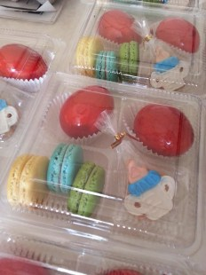 lemon macaron, blueberry macaron, greenntea macaron, feeding bottle cookie and egg.