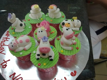 cow cupcakes