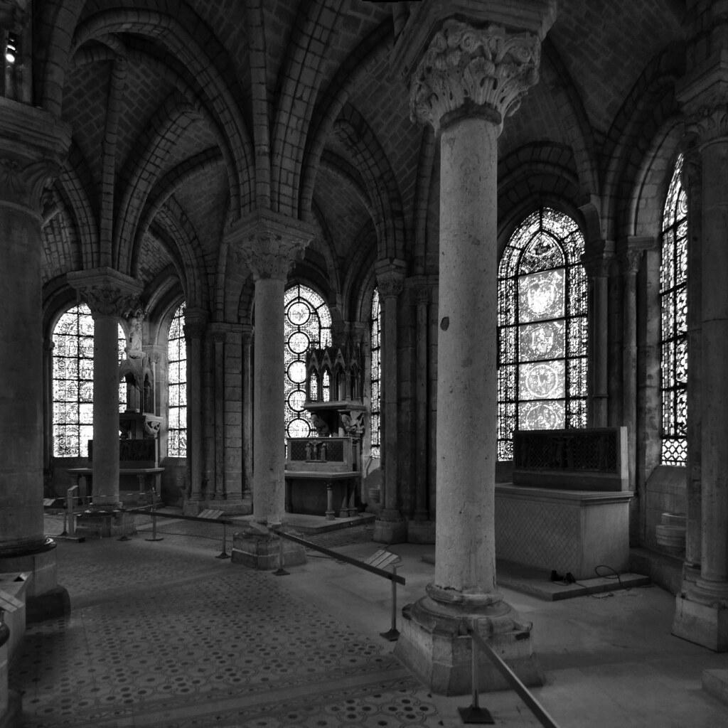 Basilique Saint Denis The Ambulatory Of Abbot Suger S Cho