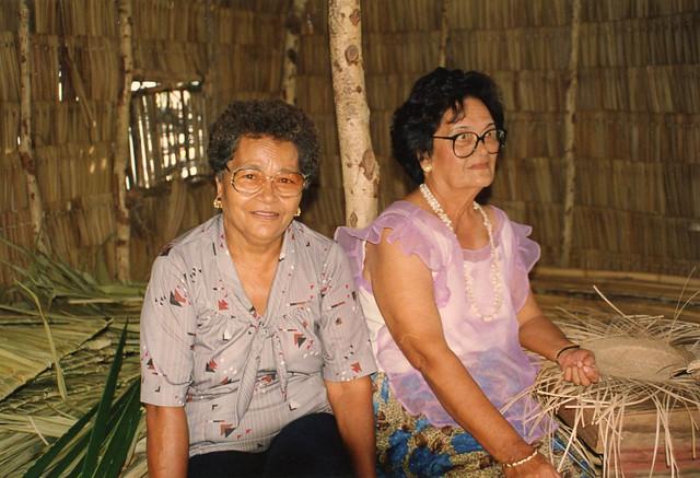 Tan Lucia Torres and Tan Dolores Paulino, 1995