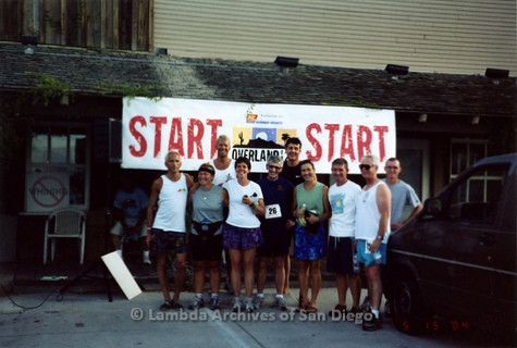 P260.009m.r.t Overland 122 Relay: Group of runners at starting line