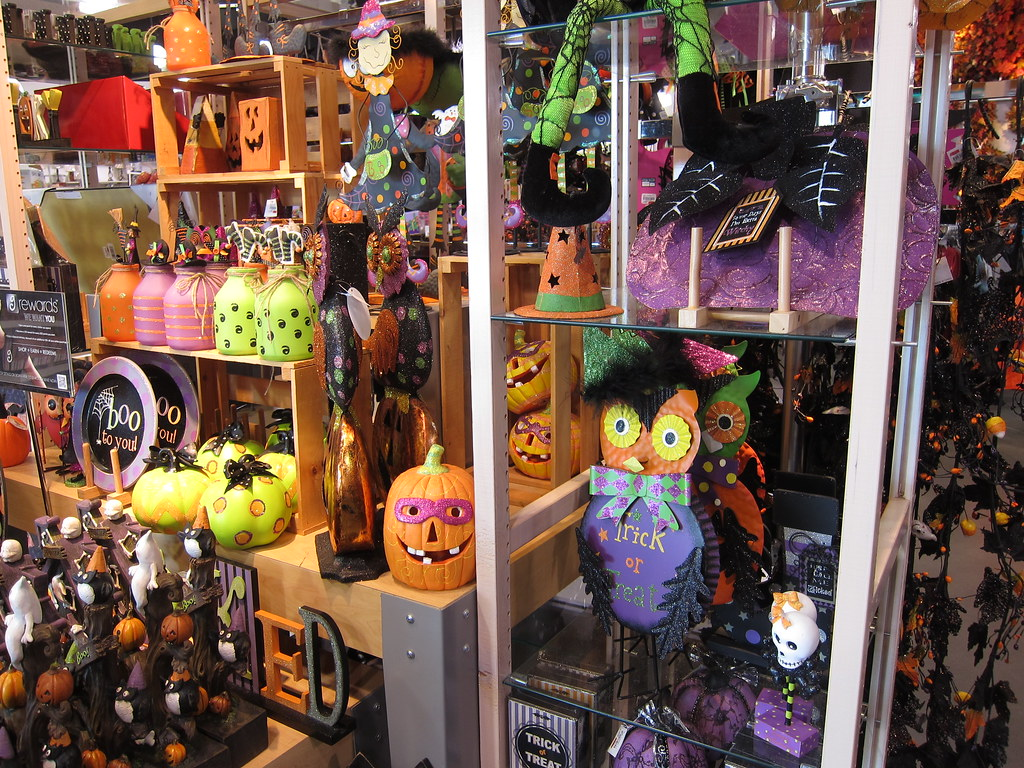 The stores are starting to put out halloween gear. Halloween Decor At Gordmans Store 9 25 13 01 Anothertom Flickr