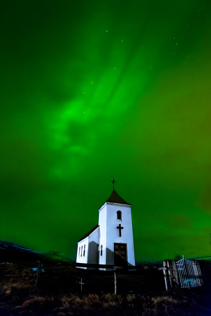 Northern Lights Over A Church In Hv 237 T 225 Rs 237 240 Uvegur Iceland