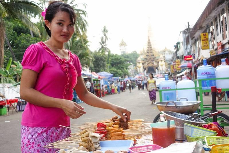 2013-05-05 Yangon - DSC09586-FullWM