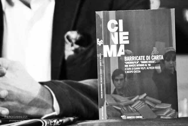 FCE 2014 - Ricordo di Gianni Volpi - Barricate di carte, di Gianni Volpi, Alfredo Rossi e Jacopo Chessa