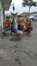 Birthday special for Tizen #uluafishing2016 with the crew.