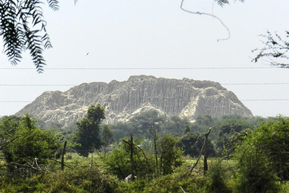 Peru Tucume Piramide Sitio Arqueologico 01