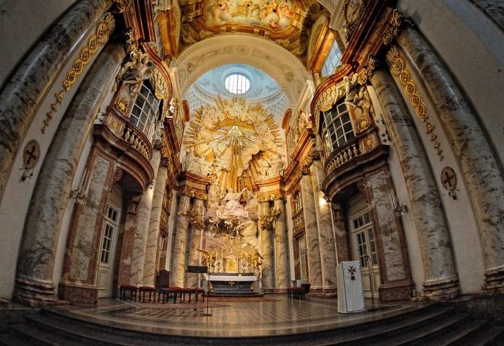 Presbiterio de la Iglesia de San Carlos Borromeo de Viena | Flickr