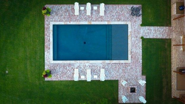 Allison Pools - Lautner Knife Edge Pool