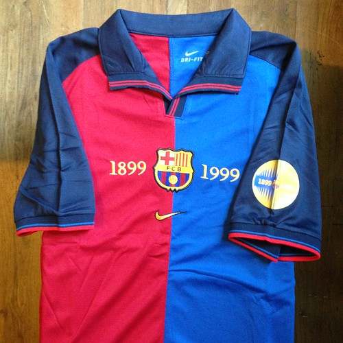 Official barcelona club gear for la liga and champions league campaigns. 1999-2000 FC Barcelona Home Jersey | • Primera equipació