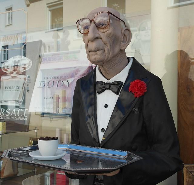 waiter-175124