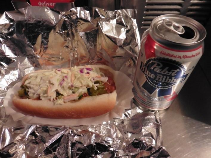 Dónde comer hot dogs y gastronomía en Nueva York (Estados Unidos) - Perritos Calientes Crif Dogs.