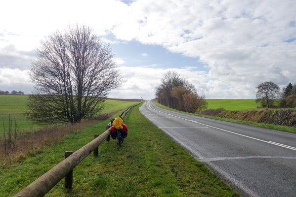 The stretch from Calais to Paris was pretty difficult, in strong headwinds, along straight and surprisingly boring roads.
