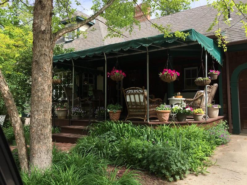 Shady Oaks Farm Bed & Breakfast
