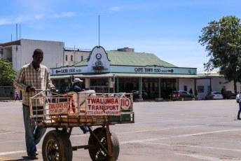 De bewegwijzering in Zimbabwe maakte diepe indruk op ons.