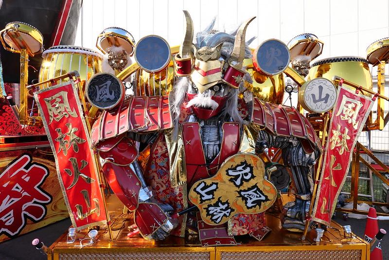 Robot restaurant display 01