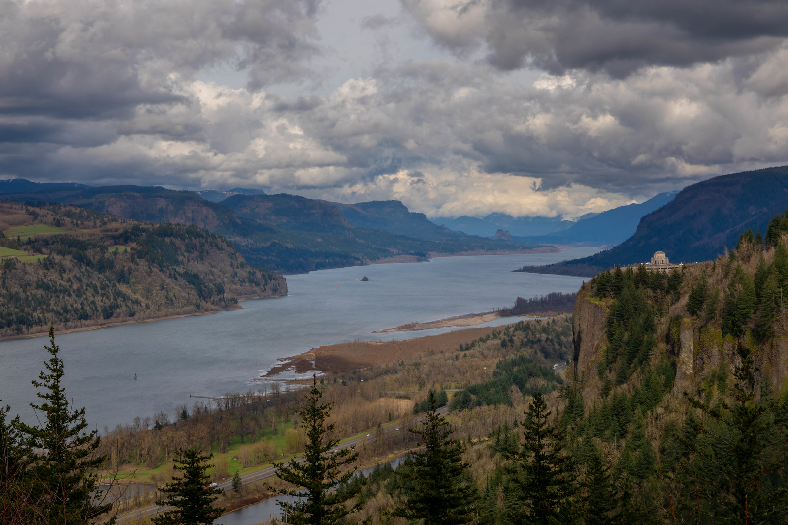 04.03. Columbia River, OR