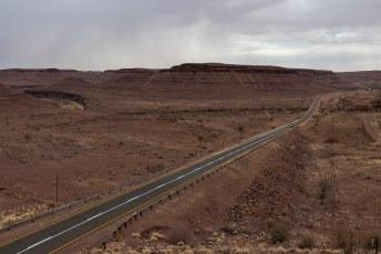 Het eerste stuk reden we nog wel door een indrukwekkend grand canyon-achtig landschap.