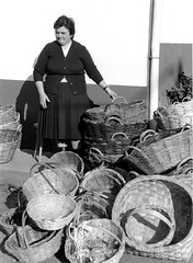 06, Muller feirante en Arzua, ano 94