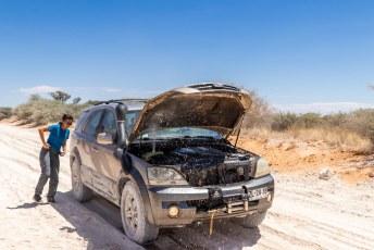 Het was 50 graden en dat trok de auto niet helemaal i.c.m. het ploegen door het mulle zand.