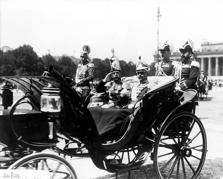 1913. Император Николай II в Берлине с кайзером Вильгельмом II