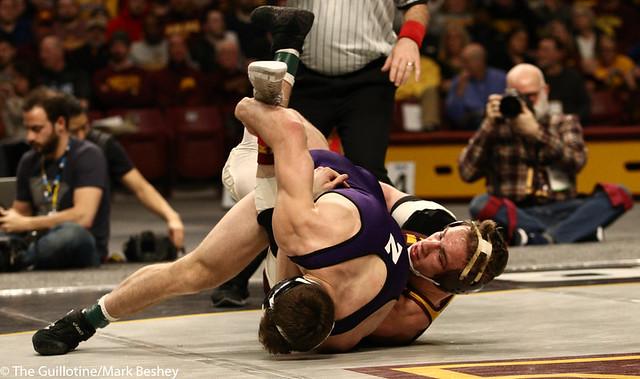 5th Place Match - Ryan Deakin (Northwestern) 29-4 won by major decision over Steve Bleise (Minnesota) 18-7 (MD 10-1) - 190310dmk0106