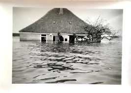 Stolp Kamerhop in inundatie