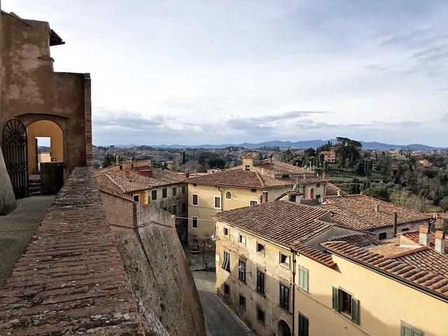 La vista dal Castello di Lari