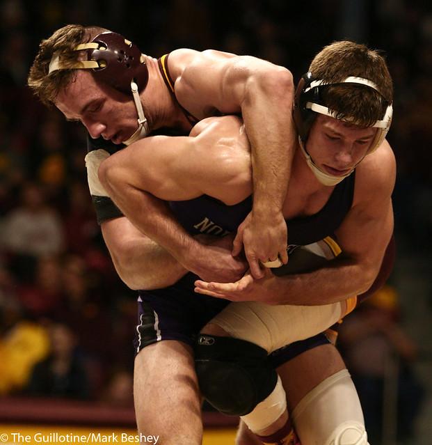 5th Place Match - Ryan Deakin (Northwestern) 29-4 won by major decision over Steve Bleise (Minnesota) 18-7 (MD 10-1) - 190310dmk0109