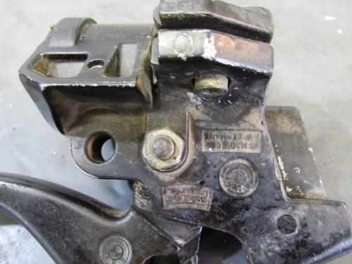 Left Handlebar Control Lever Pivot Pin Nut & Washer