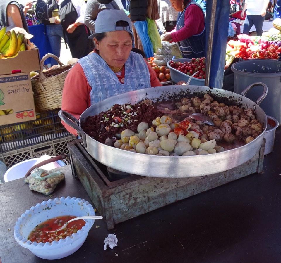 Comida Mercado Otavalo Ecuador 02