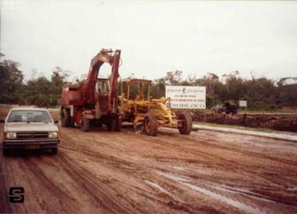 1985 - Execução do trevo de entrada da Riviera