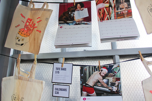 Sexy (Wo)(Men) of Flux calendars and tote bags