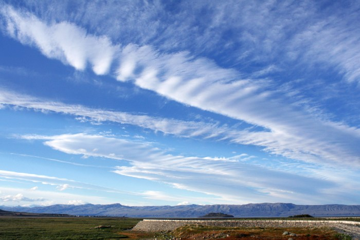 Cirrus clouds, El Calafate, Argentina