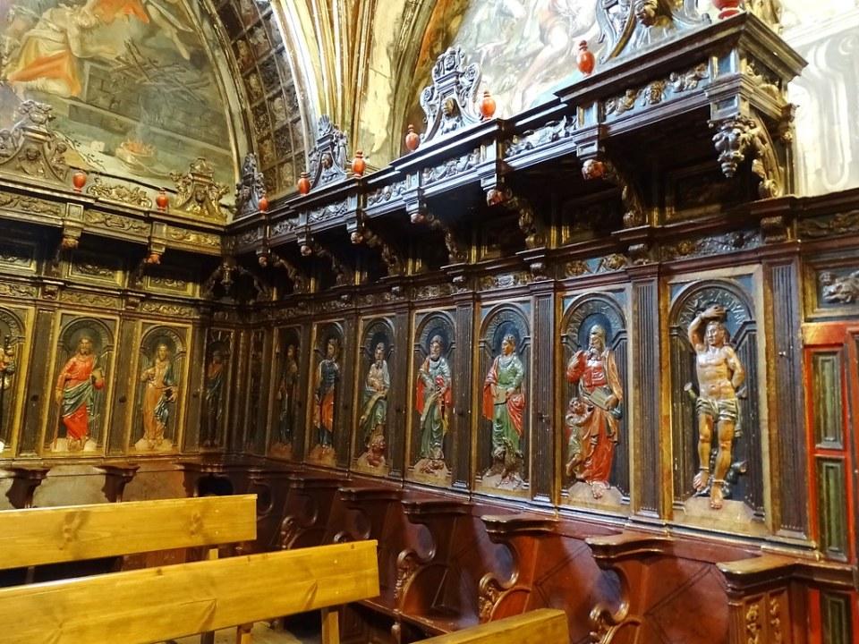 Coro interior Iglesia de Santa Maria de villa de los Arcos Navarra 03