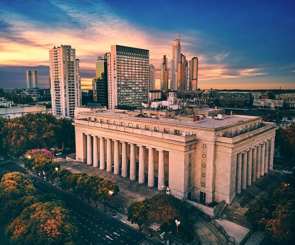 Universitas terbaik di Argentina - Uniersidad de Buenos Aires