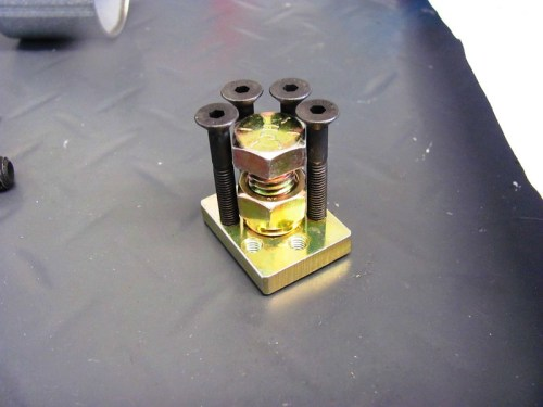 Screw Plate with 16 MM Bolt and 4 Srews