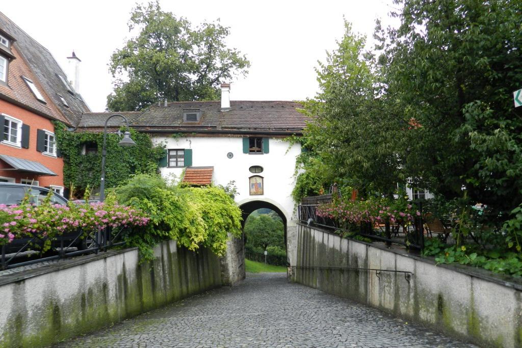 Schongau puerta Frauentor del Castillo arco muralla medieval Baviera Alemania 01